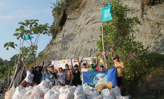 Ecopazífico, una iniciativa con 'sello UAO' para erradicar el plástico de las playas de Buenaventura