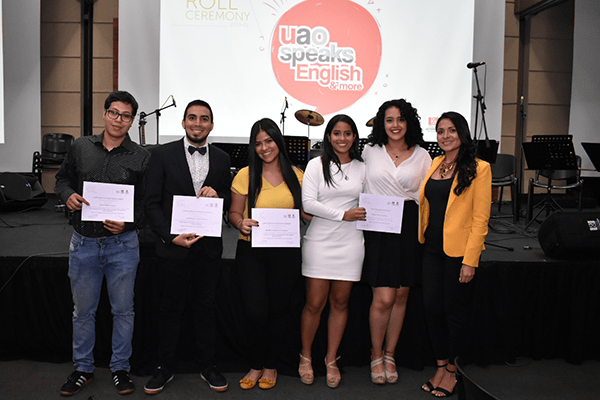 Equipo UAO Speaks English